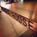 burger-house-table